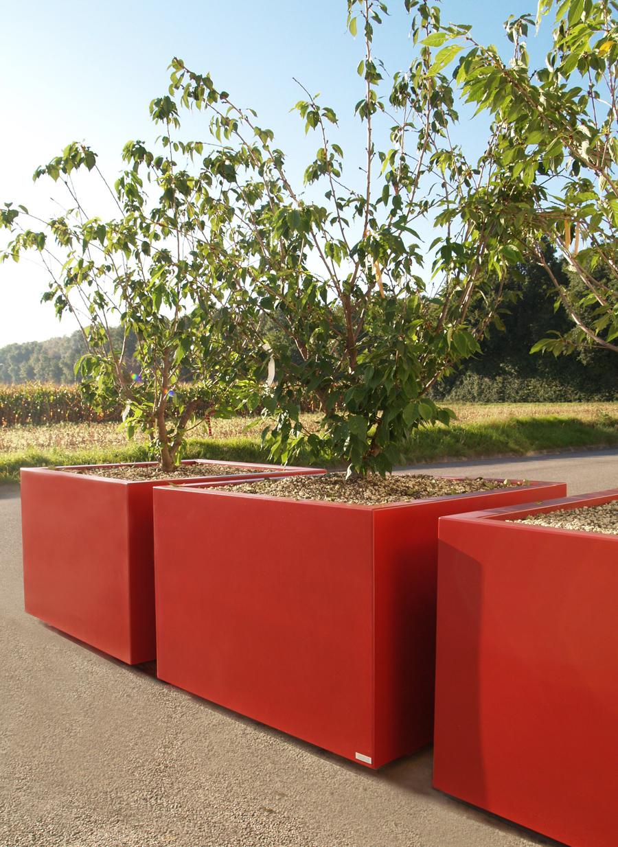 STEELAB - Grand Bac à arbre cubique en tôlerie pour Mobilier Urbain