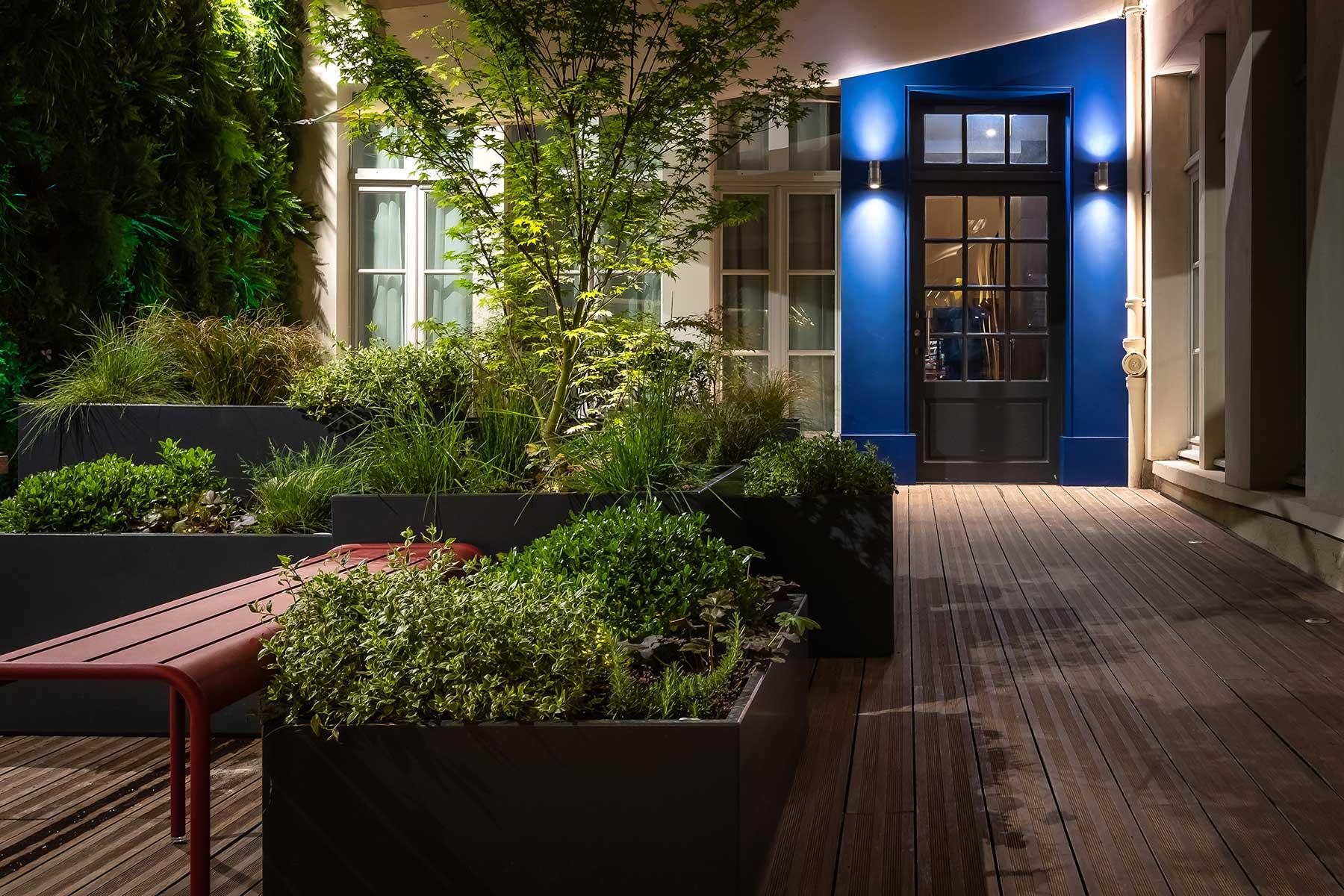 jardini res fibre ciment sur mesure image in composition. Black Bedroom Furniture Sets. Home Design Ideas
