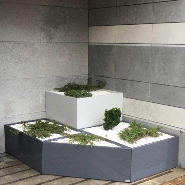 jardini re sur mesure en fibre ciment image in entr e d. Black Bedroom Furniture Sets. Home Design Ideas